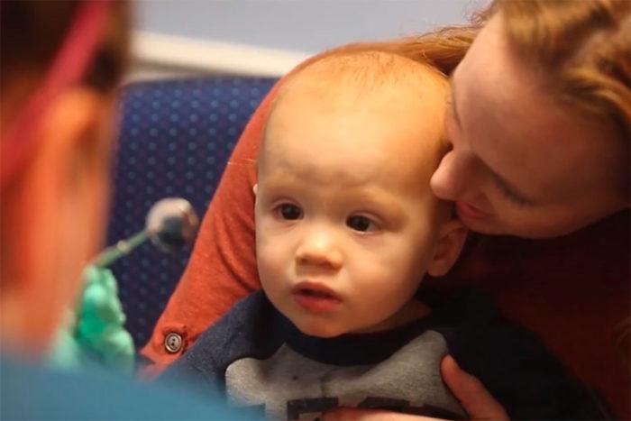 Детские молочные зубы лечить