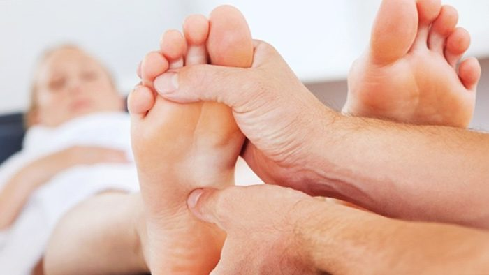 Как лечить пяточную шпору в домашних условиях быстро