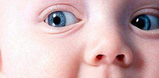 Кормление малыша грудным молоком