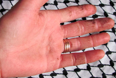 Руки при работе на земле
