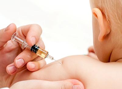 Прививки маленьким детям