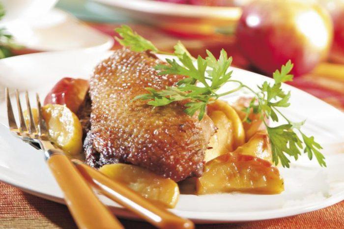 Утка в яблоках рецепт
