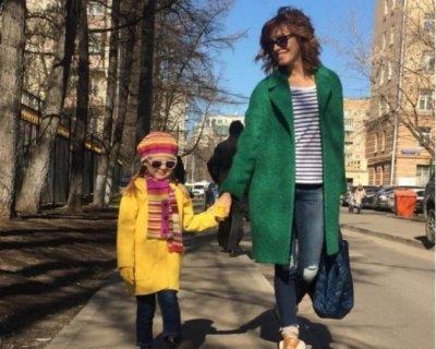 Дочь Елены Подкаминской – Полина Пляцева фото