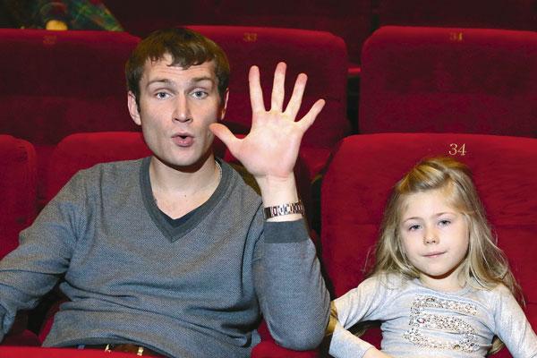 Дочь Николая Наумова – Амина фото