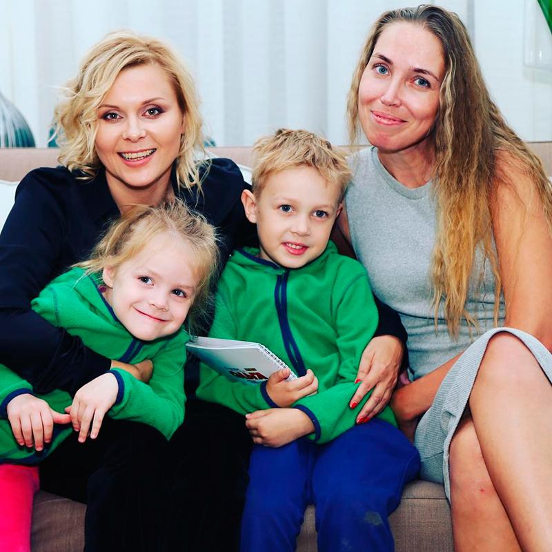 Семья и дети Яны Трояновой фото