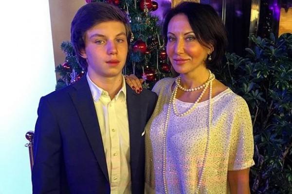 Сын Алики Смеховой – Артем фото