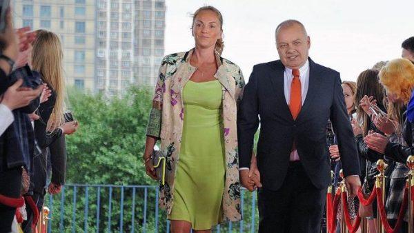 Жена Дмитрия Киселева – Мария Киселева фото