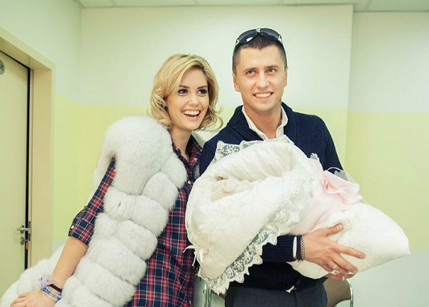 Жена Павла Прилучного (актер) – Агата Муцуниеце фото