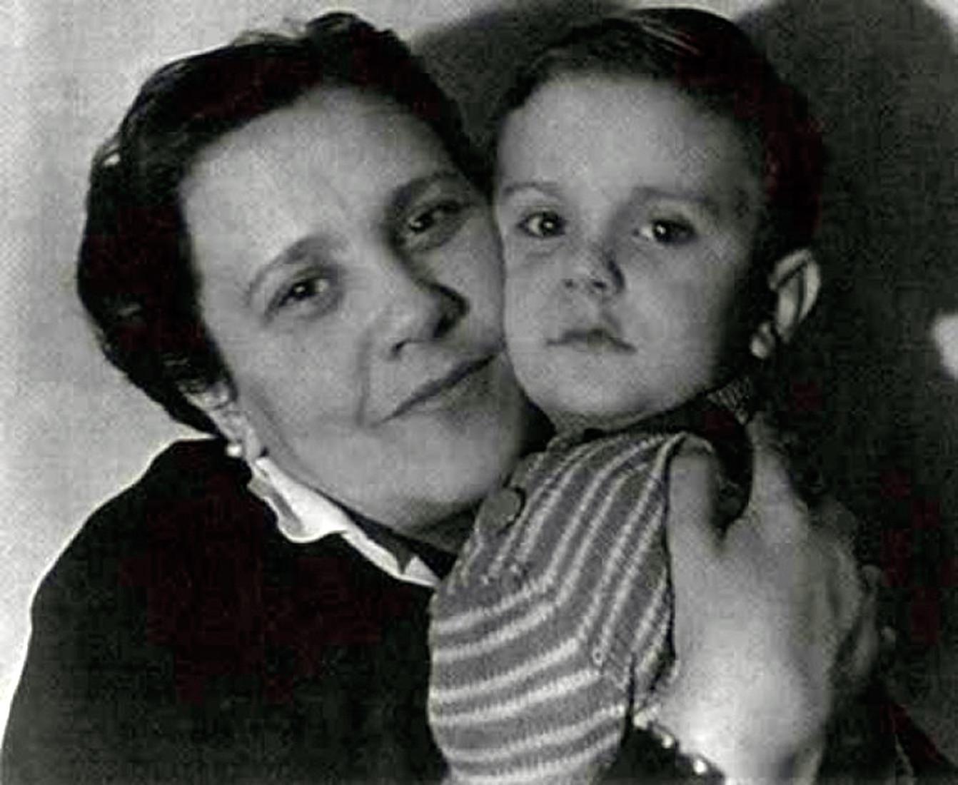 Бывшая жена Сергея Михалкова – Наталья Сурикова фото