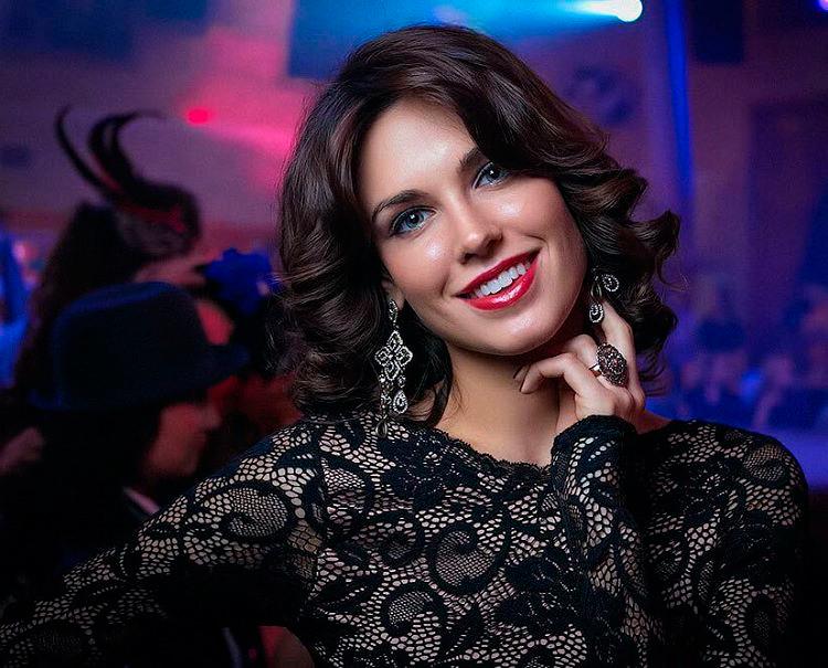 Инстаграм и Википедия Ирины Антоненко фото