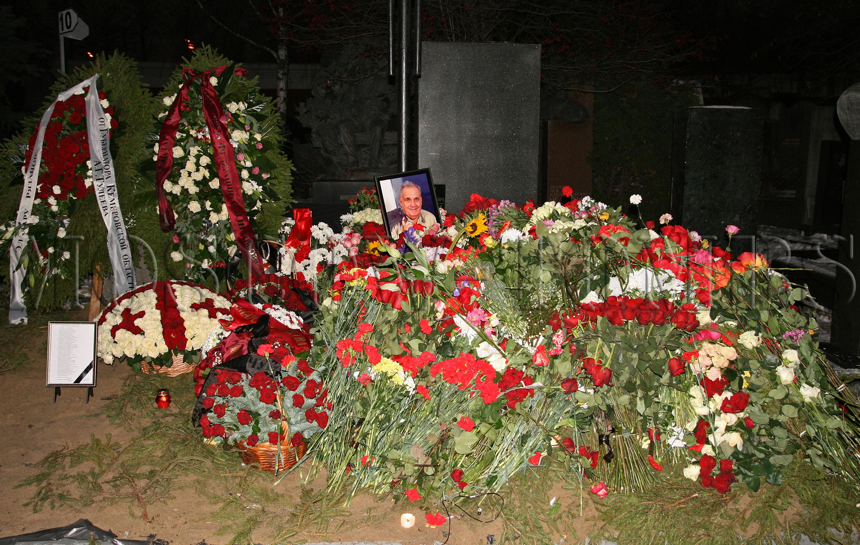 Причина смерти Эльдара Рязанова. Его могила на кладбище фото