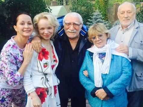 Семья и дети Армена Джигарханяна фото