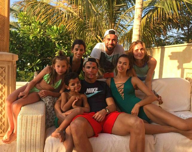 Семья и дети Ирины Шейк фото