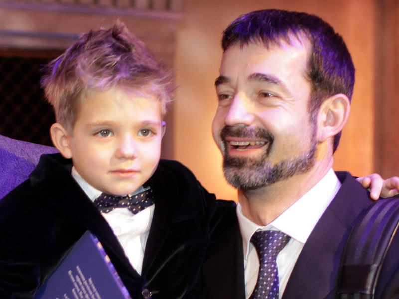 Сын Дмитрия Певцова – Елисей фото