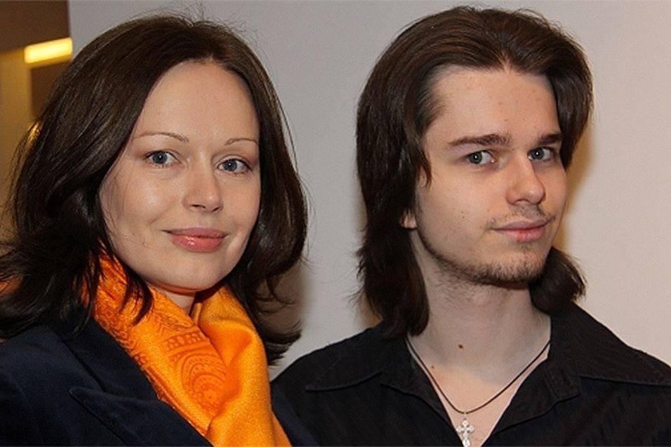 Сын Ирины Безруковой - Андрей Ливанов фото