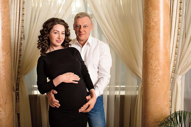 Жена Александра Половцева – Эсана Муратова фото