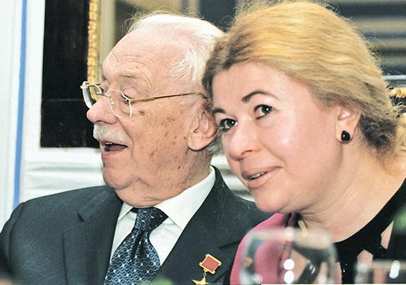 Жена Сергея Михалкова – Юлия Субботина фото