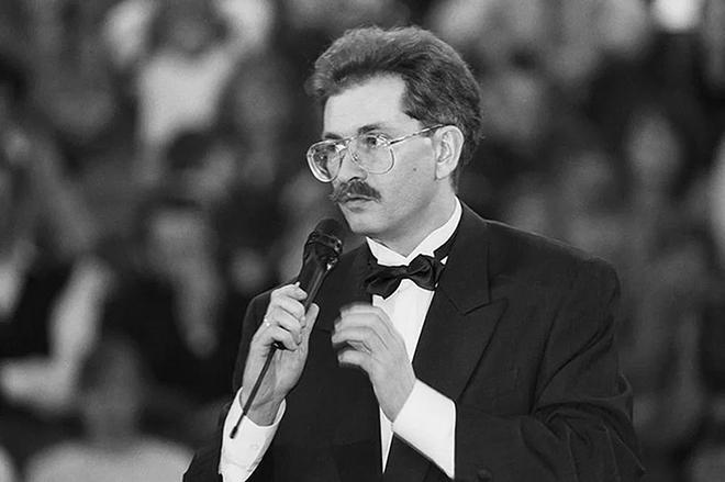 Телеведущий Владислав Листьев