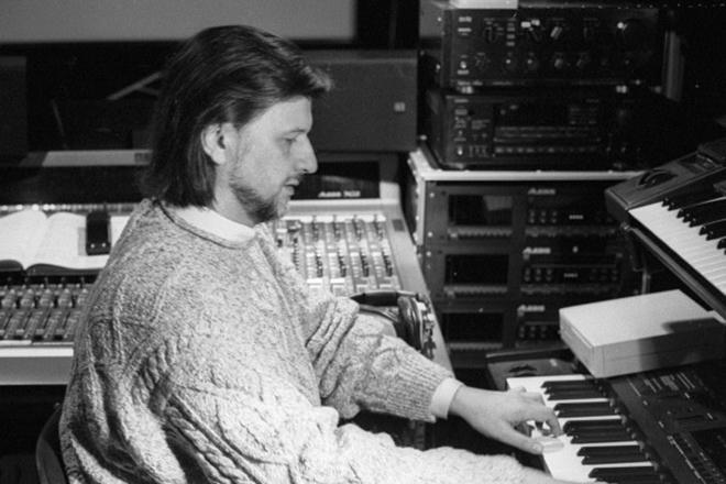 Алексей Рыбников в студии звукозаписи