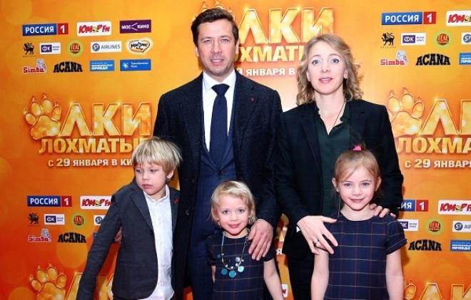 Андрей Мерзликин с семьей