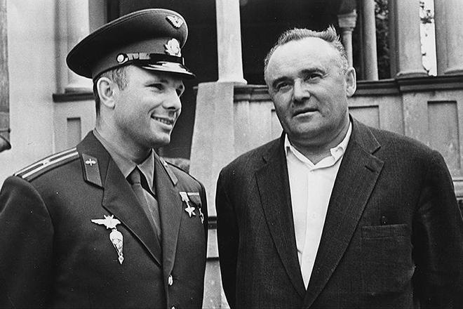 Сергей Королев и Юрий Гагарин