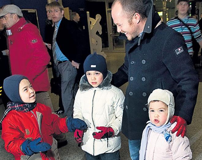 Евгений Стычкин с детьми