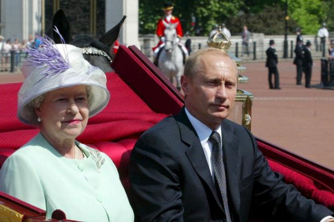 Елизавета II и Владимир Путин