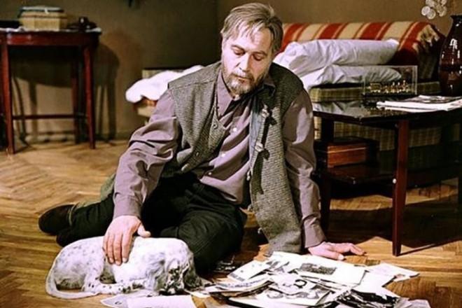 Вячеслав Тихонов в фильме «Белый Бим, Черное Ухо»
