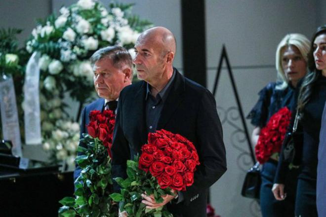 Игорь Крутой на похоронах Иосифа Кобзона