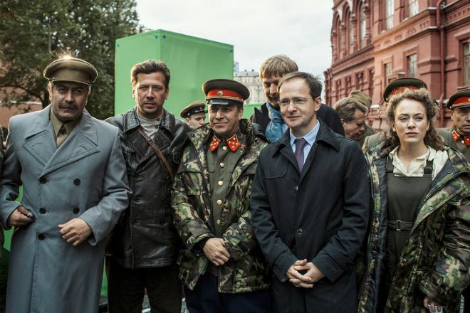 Андрей Мерзликин на съемках фильма «Танки»