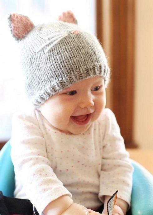 Симпатичная шапочка в виде мордочки котенка для малыша 0
