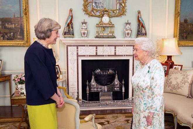 Тереза Мэй и Елизавета II
