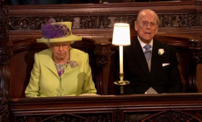 Елизавета II и принц Филипп на свадьбе принца Гарри и Меган Маркл