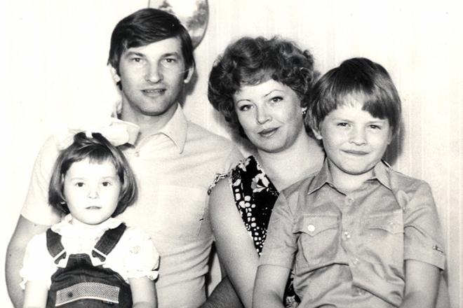Владислав Третьяк с семьей