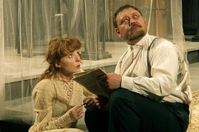 Юрий Степанов в спектакле «Три сестры»