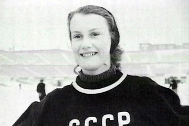Фигуристка Елена Чайковская в молодости