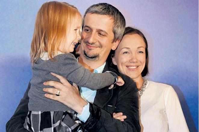 Константин Богомолов с женой и дочерью