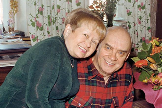 Николай Добронравов с женой