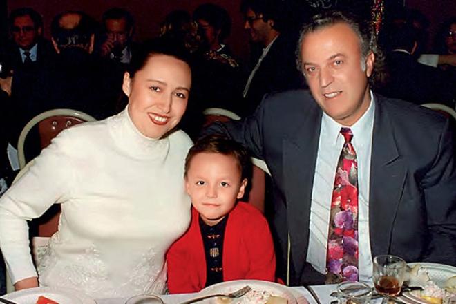 Мунира Аргумбаева и Илья Резник с сыном