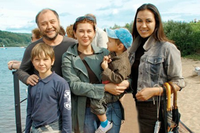 Юрий Степанов с семьей