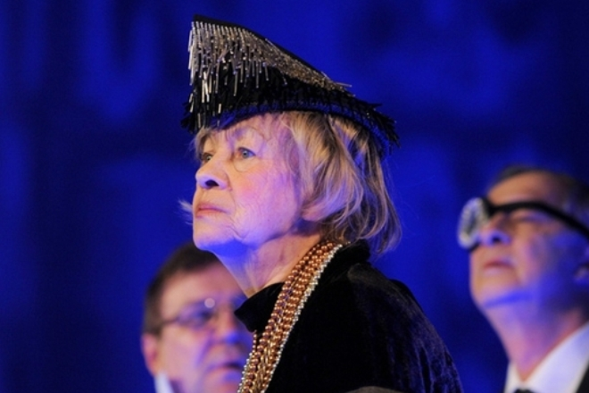 Александра Назарова на сцене театра