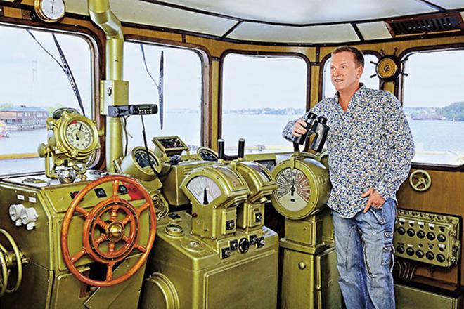 В молодости Виктор Рыбин служил во флоте