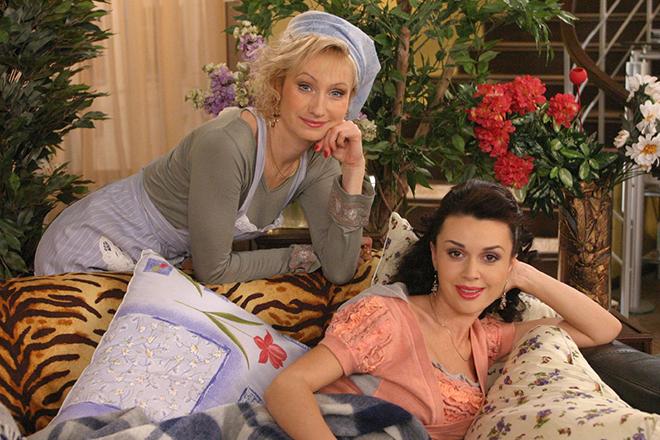 Ольга Прокофьева с Анастасией Заворотнюк в сериале «Моя прекрасная няня»