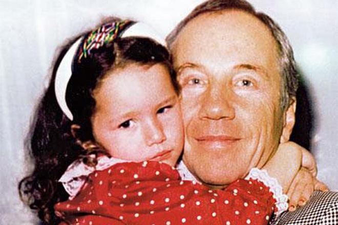Савелий Крамаров с дочкой Басей