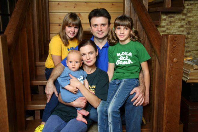Тимур Кизяков с семьей
