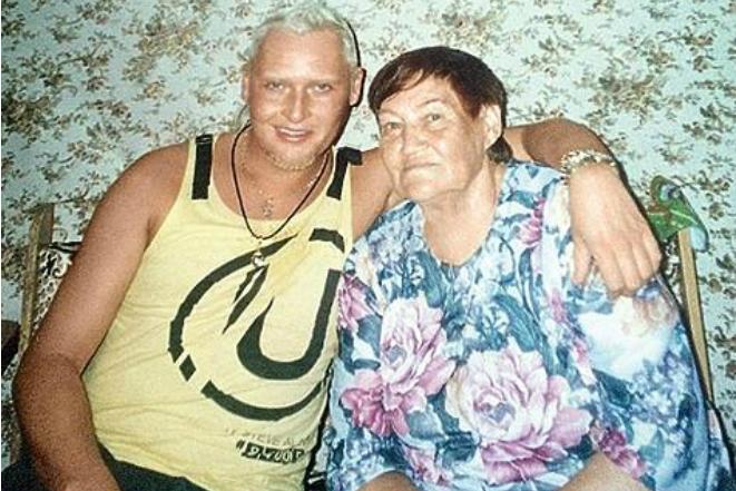 Шура с бабушкой