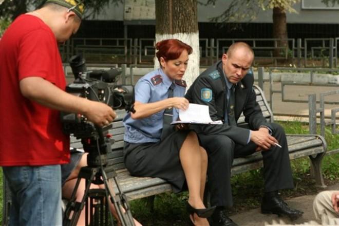 Виктория Тарасова и Максим Аверин на съемках сериала «Глухарь»