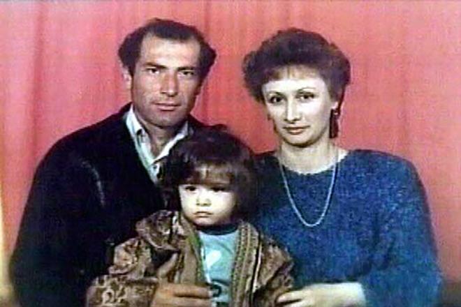 Виталий Калоев с семьей