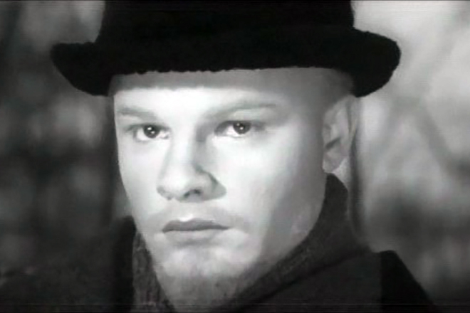 Родион Нахапетов в роли Владимир Ленина