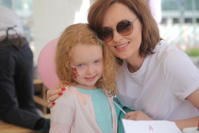 Елена Ксенофонтова с дочерью Софией